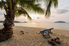 Sillas de playa en la playa Fotografía de archivo libre de regalías