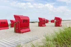Sillas de playa por el mar Fotografía de archivo