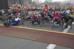 Sillas de rueda del halfmarathon 2009 de Berlín Imagen de archivo libre de regalías