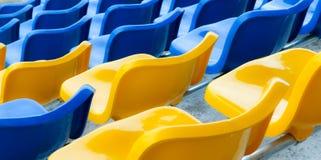 Sillas del estadio Imagenes de archivo