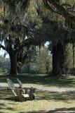 Sillas en el parque Imagenes de archivo