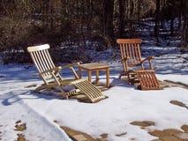 Sillas en invierno Foto de archivo libre de regalías