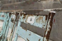 Sillas viejas del metal en el teatro antiguo de la naranja, Francia Fotos de archivo libres de regalías