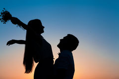 Sillhouette couple love Royalty Free Stock Photos