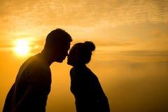 Sillhouette pary miłość Zdjęcie Stock