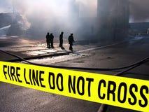 Sillouette de los bomberos Fotos de archivo libres de regalías