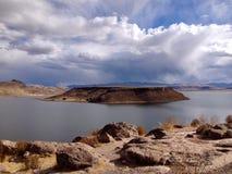 Sillustani och sjö Umayo nära Puno, Peru royaltyfria foton