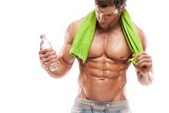 Silna Sportowa mężczyzna sprawności fizycznej modela półpostać pokazuje sześć paczek abs. Fotografia Royalty Free