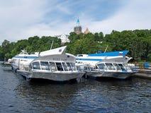 Silników statki na podwodnych skrzydłach przy cumowaniem Valaam Mon Zdjęcia Stock