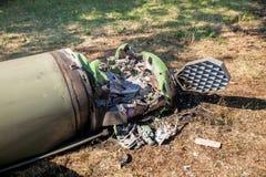 Silnik, łuska i system kontrolny, uszkadzający pocisk balistyczny, wojenny konflikt, Ukraina i Donbass po tym jak ono spadał zdjęcie stock