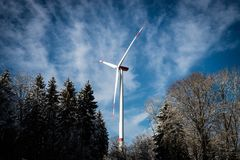 Silnik wiatrowy energii generator fotografia stock