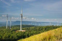 Silnik Wiatrowy władzy generator w WindPower polu Zdjęcie Royalty Free