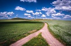 Silnika Wiatrowego gospodarstwa rolnego krajobraz Obraz Stock