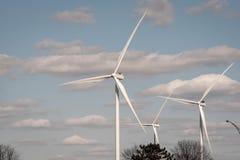 Silnika wiatrowego gospodarstwo rolne w Indiana obraz royalty free