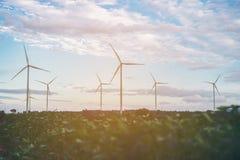 Silnika Wiatrowego gospodarstwo rolne, Wiatrowej energii pojęcie Obrazy Royalty Free