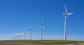 Silniki wiatrowi w eolic parku Zdjęcie Royalty Free