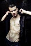Silny sportowy mężczyzna sprawności fizycznej model Obraz Royalty Free