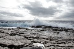 Silny wiatr i fala na Adriatyckim morzu zdjęcia royalty free