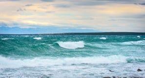 Silny wiatr, morze fala plaża i wybrzeże, lub Zdjęcie Royalty Free