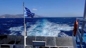 Silny wiatr od ferryboat między Cyclades grka wyspami zbiory