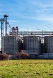 Silo agricolo all'aperto fotografia stock