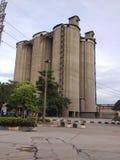 Silo de cemento grande Foto de archivo libre de regalías