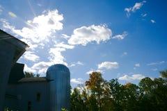 Silo dell'azienda agricola del grano Fotografie Stock