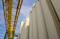 Silo, esterno del fabbricato industriale Fotografia Stock Libera da Diritti
