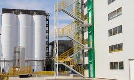 Silo, esterno del fabbricato industriale Fotografie Stock Libere da Diritti