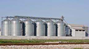 silo för fabrik s fotografering för bildbyråer
