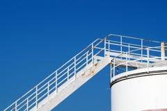 Silo mit Treppe Lizenzfreie Stockbilder