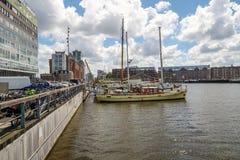 Silodam,阿姆斯特丹,荷兰 在豪华帆船的看法 免版税库存照片