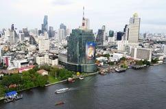 Silom, Sathorn och Chao Phraya flod i Bangkok Royaltyfria Foton