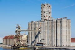 Silos de grain massifs Photographie stock