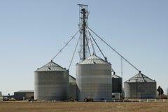 Silos de la granja Fotos de archivo libres de regalías