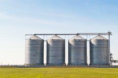 Silos de la granja foto de archivo libre de regalías