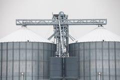 Silos di grano di stoccaggio nell'inverno Fotografia Stock