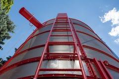 Silos di stoccaggio del grano Carri armati galvanizzati per grano Fotografie Stock
