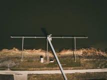 Silos di stoccaggio del grano ed elevatore di grano al porto Fotografia Stock Libera da Diritti