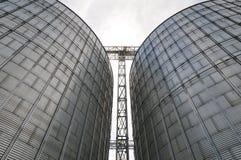 silos moderno per la conservazione del raccolto di grano Fotografia Stock