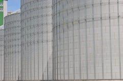 silos moderno per la conservazione del raccolto di grano Immagine Stock