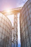 silos moderno per la conservazione del raccolto di grano Immagine Stock Libera da Diritti