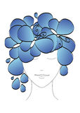 Silueta abstracta hermosa de una muchacha con las mariposas y las flores en su cabeza Vector Imagenes de archivo