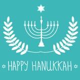 Silueta blanca dibujada HHand de David Star Menorah Candle Holder en fondo azul Guirnalda del laurel Letras felices de la mano de