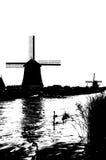 Silueta blanco y negro del molino de viento holandés Imágenes de archivo libres de regalías