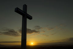 Silueta cruzada cristiana Fotografía de archivo