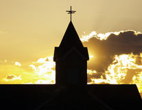 Silueta de la aguja de la iglesia Foto de archivo