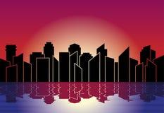 Silueta de la ciudad Horizonte en la noche en puesta del sol, con la reflexión en agua Ilustración del vector Imágenes de archivo libres de regalías