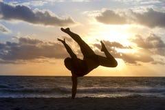 Silueta de la danza Imagen de archivo libre de regalías