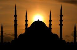 Silueta de la mezquita fotos de archivo libres de regalías